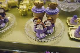 Cupcake Princesa Sofia na mesa de doces