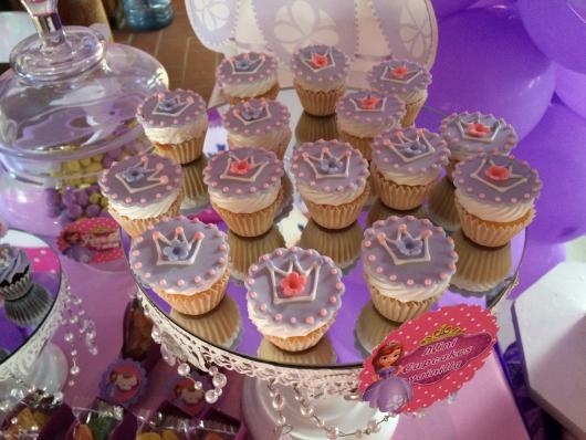 Cupcake Princesa Sofia lilás