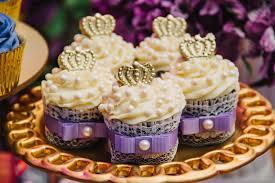 Cupcake Princesa Sofia com coroa de ganache
