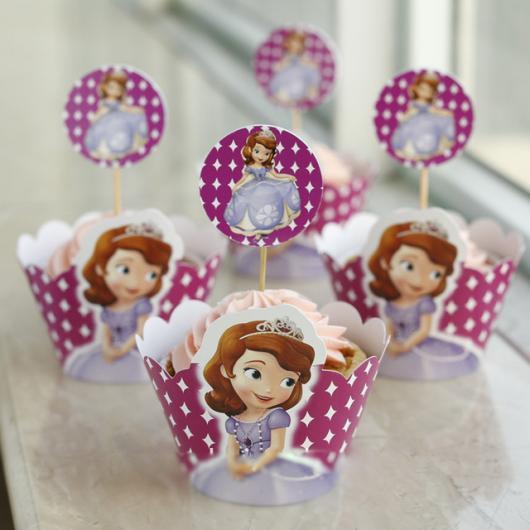 Cupcake Princesa Sofia com topo personalizado
