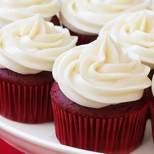 Cupcake simples red velvet.
