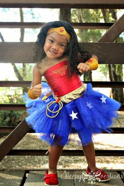 Fantasia Mulher Maravilha infantil.