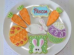 Biscoitos Decorados de Páscoa no formato de cenourinhas