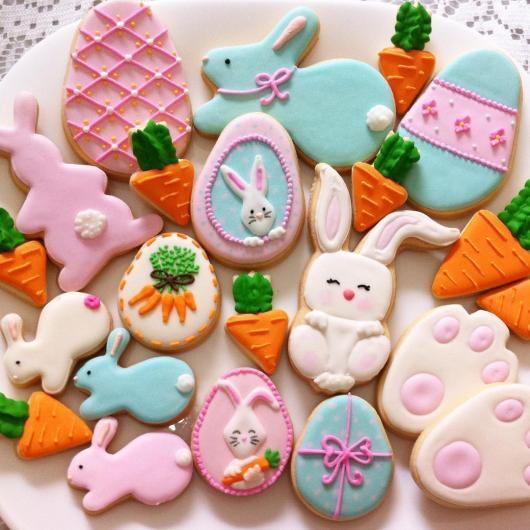 Biscoitos Decorados de Páscoa no formato de coelho azul