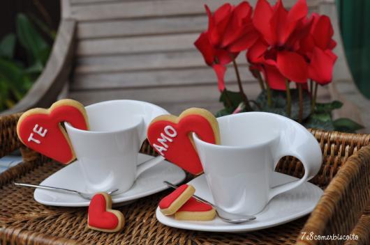 Biscoitos Decorados românticos no formato de sache de chá