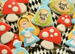 Biscoitos Decorados infantil tema Alice no País das Maravilhas