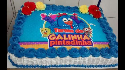 Como Fazer Bolo de Aniversário decorado com papel de arroz da Galinha Pintadinha