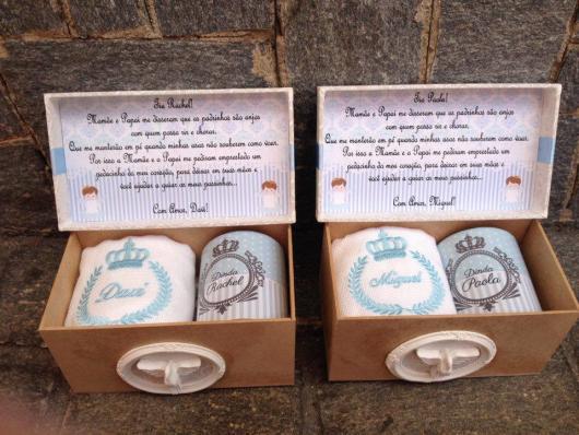 Convite de Batizado para padrinhos caixinha com caneca personalizada e toalhinha