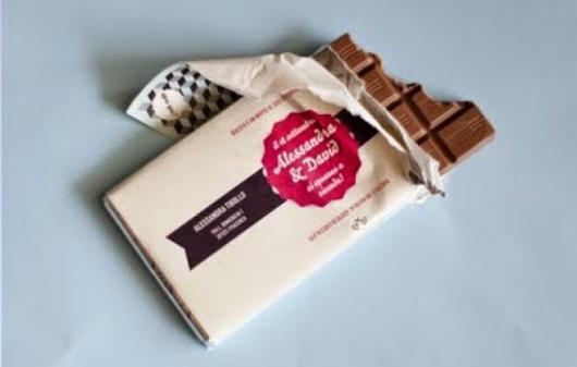 convites de noivado criativos formato de barra de chocolate