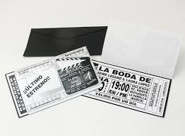 convites de noivado criativos em forma de entrada de cinema