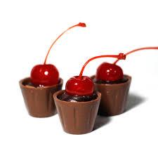 Copinho de Chocolate com mousse de chocolate e cereja