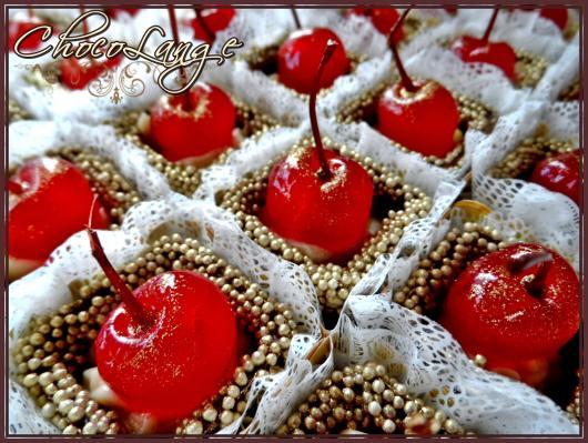 Copinho de Chocolate com cereja e granulado