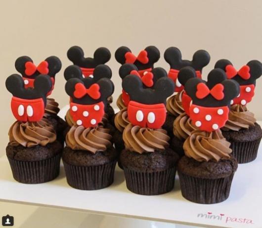 cupcake com personagem