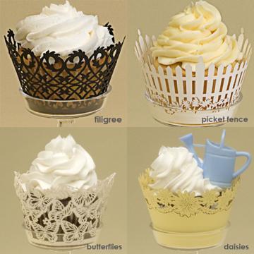 Cupcakes Decorados com wrapper de arabesco