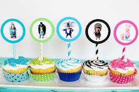 Cupcakes Decorados com topper de personagens infantis