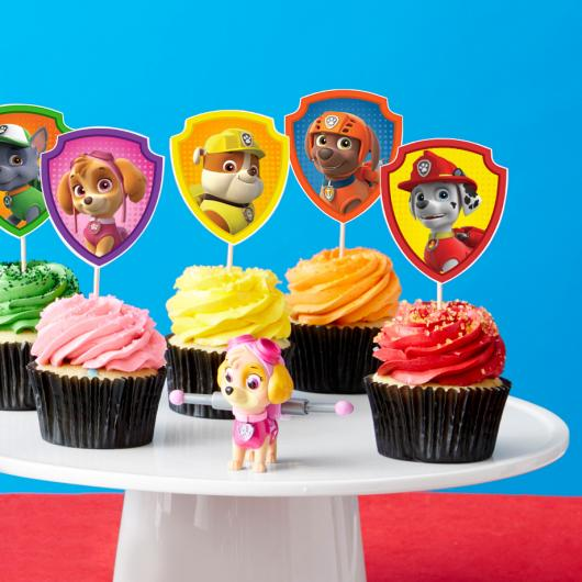 Cupcakes Decorados com topper da Patrulha Canina