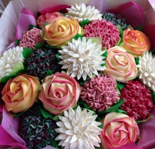 Cupcakes Decorados com flores coloridas