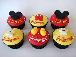 Cupcakes Decorados do Mickey com apliques 3D