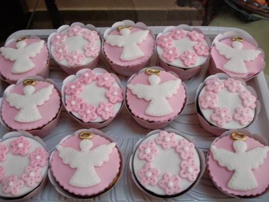 Cupcakes Decorados para batizado com pasta americana