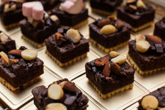 Doces para Casamento gourmet mini brownie com nozes