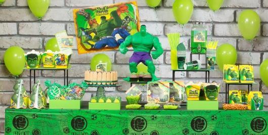 Festa do Hulk decoração baby com kit festa