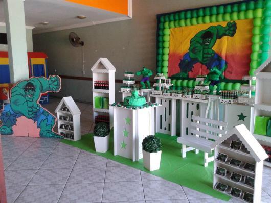 Festa do Hulk decoração provençal com display