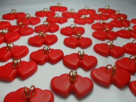 lembrancinhas de casamento de biscuit corações