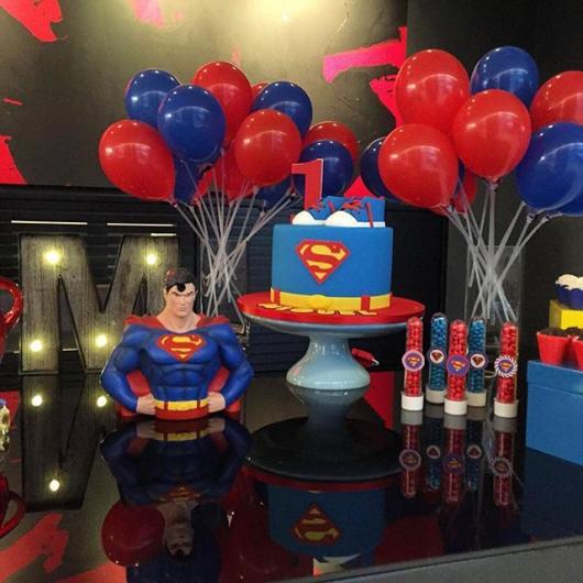 Mesversário decoração Super Homem de luxo