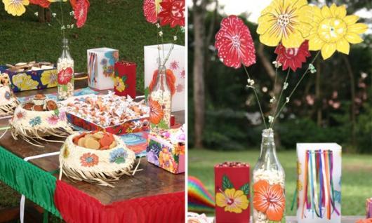 Mesversário decoração Festa Junina com flores de papel