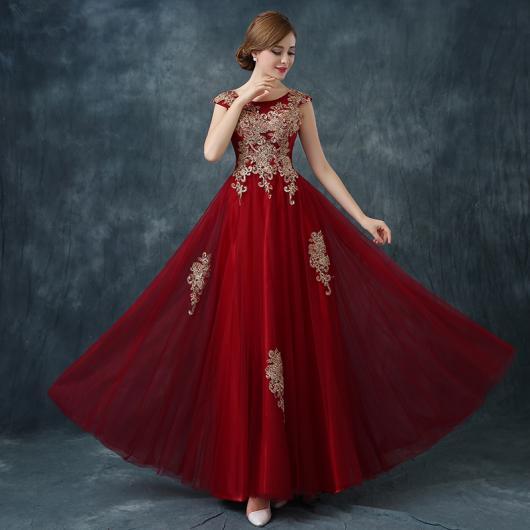 vestido vinho e vermelho