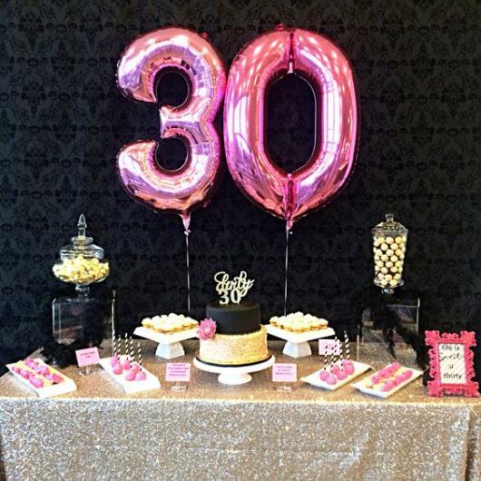 Balões Metalizados decoração de festa de 30 anos