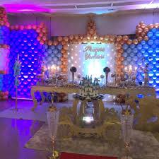 Balões Metalizados em decoração de festa de casamento azul e dourado