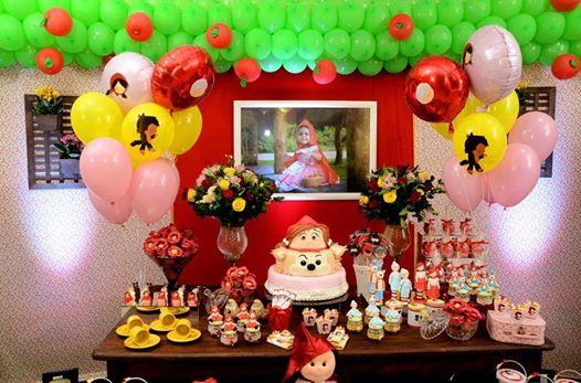 Balões Metalizados em decoração de festa com tema Joaninha