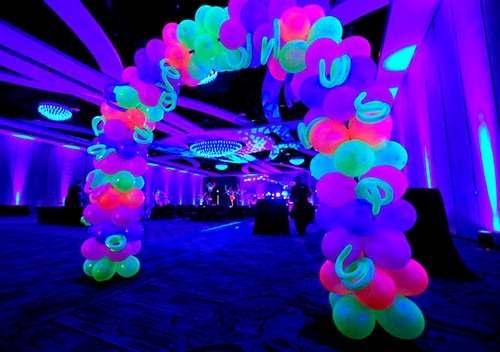 arco com balão neon