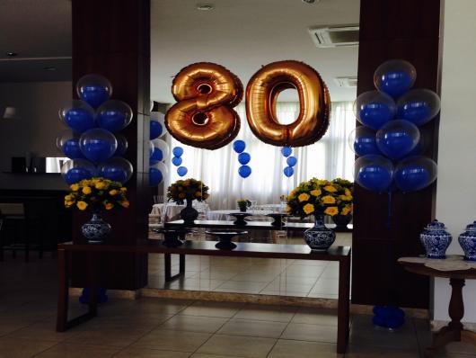 Balões de Festa dourados com formato de número