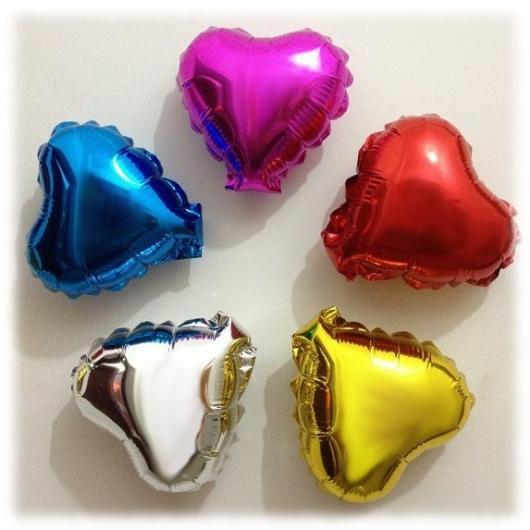 Balões de Festa metalizados com formato de corações coloridos