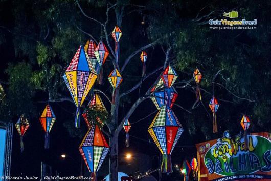 Balões de Festa Junina xadrez