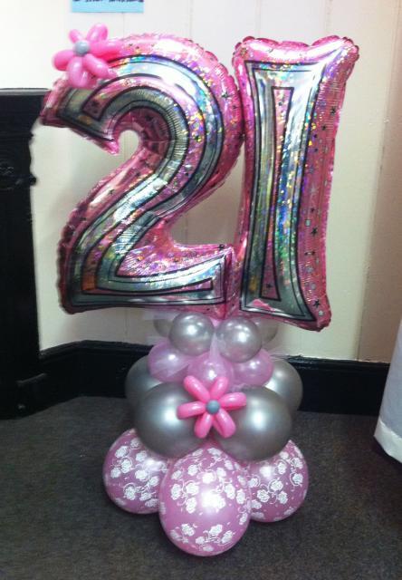 Balões de Festa rosas e pratas com formato de número