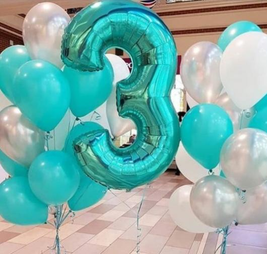 decoração com balão de número