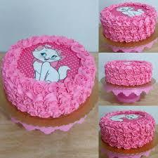 Bolo da Gatinha Marie com papel de arroz e chantilly pink