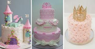Bolo de Aniversário Infantil das Princesas com torres