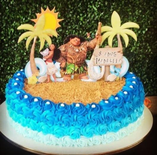 Bolo de Aniversário Infantil Moana decorado com areia comestível