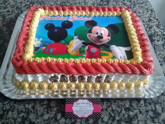 Bolo de Aniversário Infantil Mickey quadrado com papel de arroz