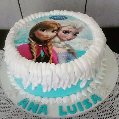 Bolo de Aniversário Infantil da Frozen com chantilly