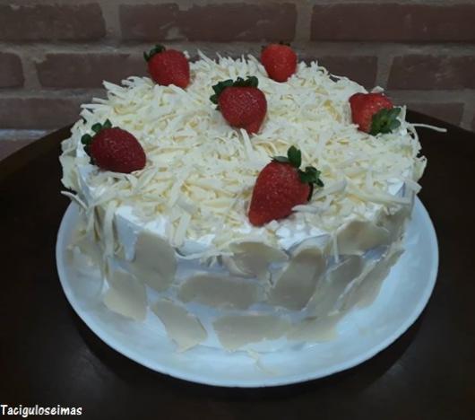 bolos simples chocolate branco