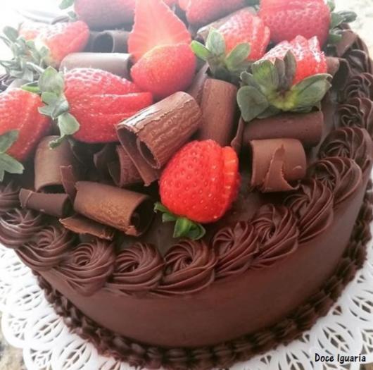 bolo redondo decorado