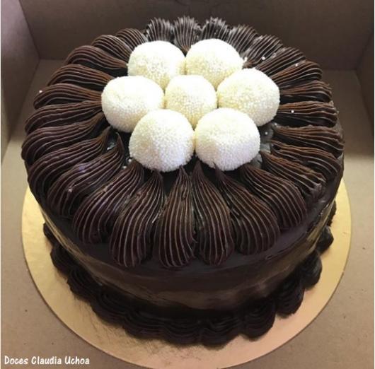 bolo com recheio de nutella e leite ninho