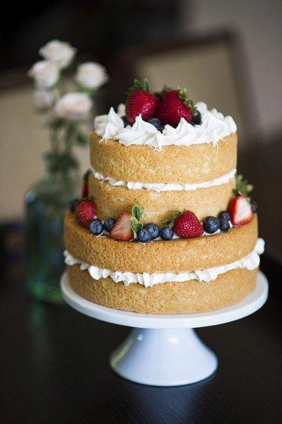 Bolo Dia das Mães decorado com frutas estili naked cake