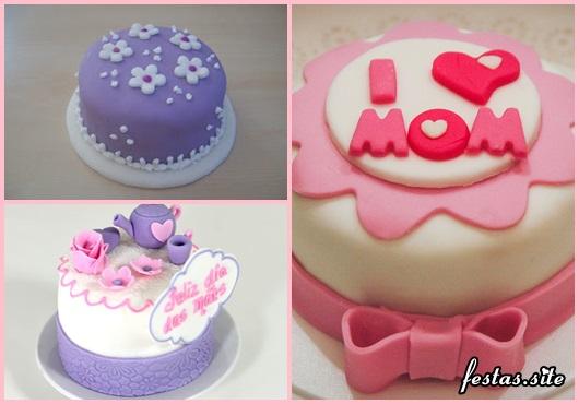 Bolo Dia das Mães mini bolo decorado com mini bule e rosas