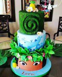 ideias lindas para bolo fake Moana